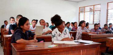 Fakuldade Asegura Aula Ba Estudante Foun no Tuan UNTL Nian